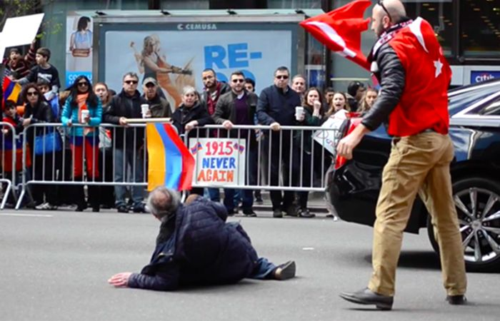 ermenilerin-ayaklari-altidan-turkbayragini-azeri-kurtardi